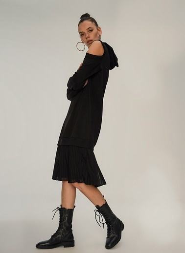 NGSTYLE Kapuşonlu Omuz Dekolteli Sweat Elbise Siyah